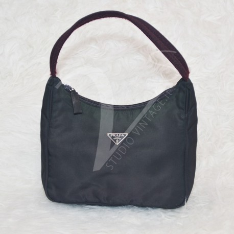 http://www.studiovintage.it/2089-thickbox_default/pochette-prada-in-tessuto.jpg