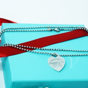 Collana Tiffany & Co. lunga con Cuore Large