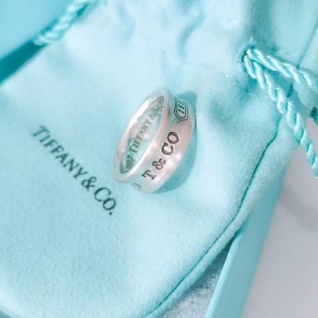Anello a fascia Tiffany serie T&Co.
